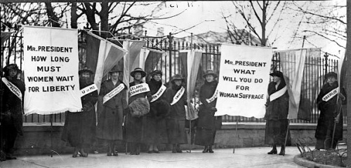 Suffragists picketing in front of the White House.  source:  Library of Congress http://memory.loc.gov/ammem/today/aug28.html